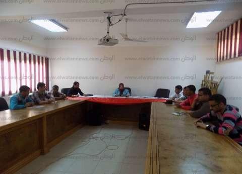 """عميد """"التعليم الصناعي"""" في سوهاج تلتقي اتحاد الطلاب لمناقشة جدول الأعمال"""