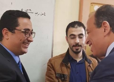بالصور| رئيس نادي قضاة مصر يدلى بصوته في المنصورة