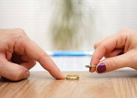 «سناء» تزوجت مليونيراً ثم خلعته: «عبيط.. وابن أمه»