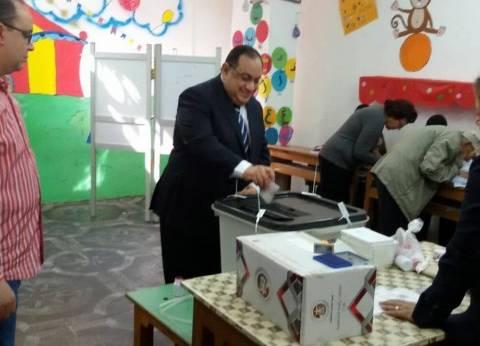 رئيس جامعة حلوان يدلي بصوته في انتخابات رئاسة الجمهورية