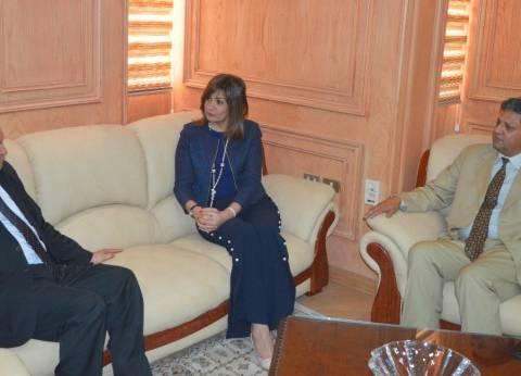 نبيلة مكرم تبحث أوضاع العمالة المصرية مع وزير الهجرة الليبي