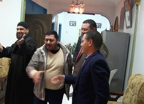 بعد فوزه بالأوسكار.. عائلة رامي مالك تستقبل المهنئين في المنيا