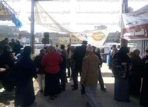 بالصور| إقبال كثيف على لجان الاستفتاء الدستوري في دمياط