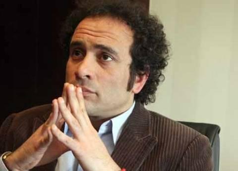 """عمرو حمزاوي عن تفجير """"كنيسة طنطا"""": """"جسد الوطن يدميه إرهاب أسود"""""""