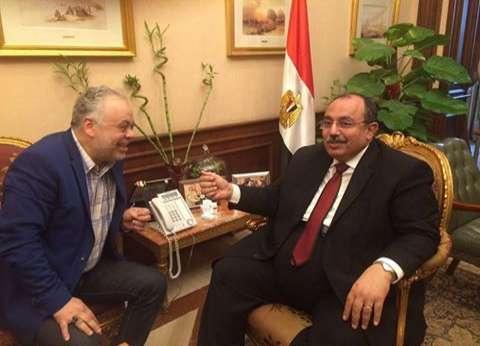 """أشرف زكي يلتقي محافظ الإسكندرية لتخصيص قطعة أرض لـ""""المهن التمثيلية"""""""
