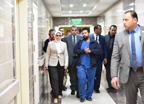 وزيرة الصحة توجه بتكثيف القوافل العلاجية في الوادي الجديد