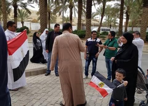 بالفيديو| إقبال المصريين على التصويت في 8 دول عربية وأوروبية