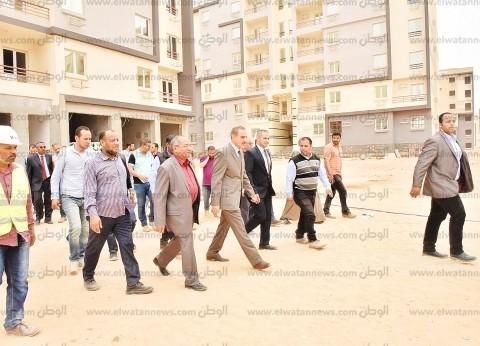 محافظ أسيوط يتفقد مشروعات الإسكان الاجتماعي بمدينة ناصر