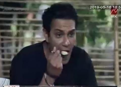"""تعليق آسر ياسين يثير تساؤلات حول فبركة """"رامز في الشلال"""".. كيف رد؟"""