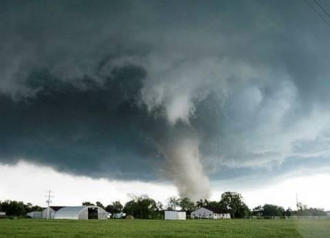 «إيرما» أكثرها.. أبرز الزلازل والأعاصير التي كبّدت أمريكا خسائر فادحة
