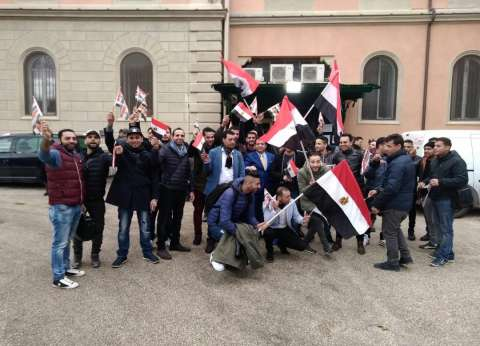 إقبال كثيف على التصويت في ميلانو بإيطاليا