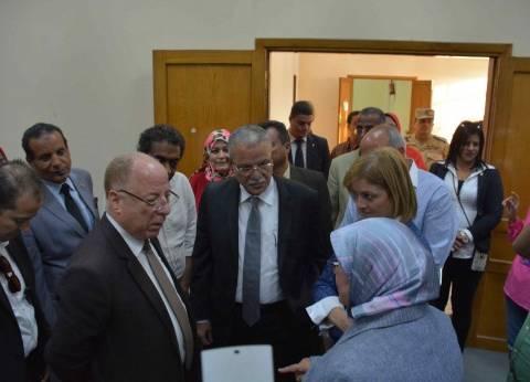 وزير الثقافة يزور قرى الكرم ودلجا ودير أبو حنس في المنيا