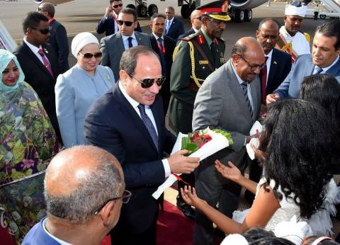 عاجل| السيسي يصل إلى القصر الرئاسي بالخرطوم