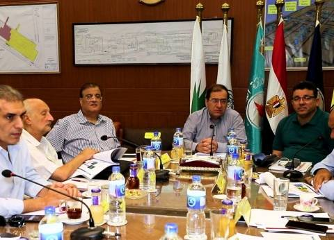 """""""الملا"""" يجتمع بالقيادات لمتابعة مشروعات إنتاج حقول الغاز بدلتا النيل"""
