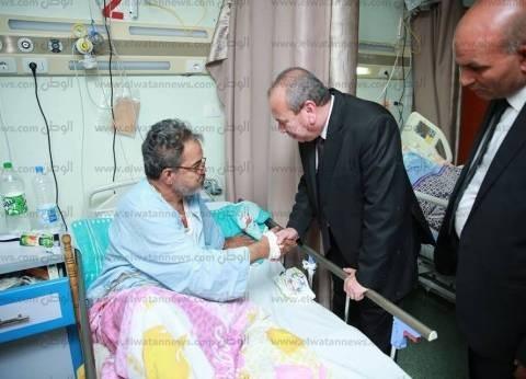 محافظ كفر الشيخ يزور مستشفى دسوق العام ويوجه بنقل طفل لعمل الأشعة