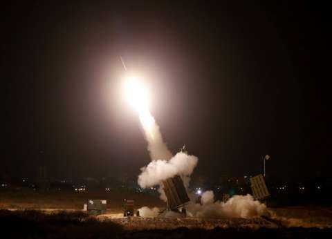 """""""العربية"""": قذيفة مضادة للدروع تصيب حافلة إسرائيلية"""