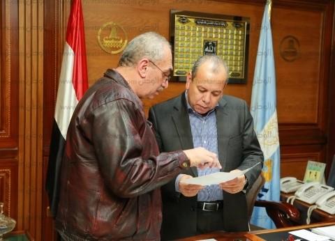 محافظ كفر الشيخ يتابع إصدار التراخيص وشهادات الصلاحية بالمراكز والمدن