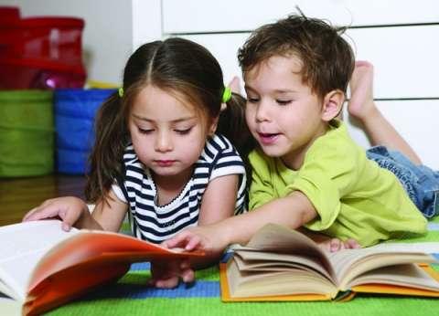 """""""الحلم بالحروف"""".. مشروع فرنسي لتشجيع الأطفال على القراءة والكتابة"""