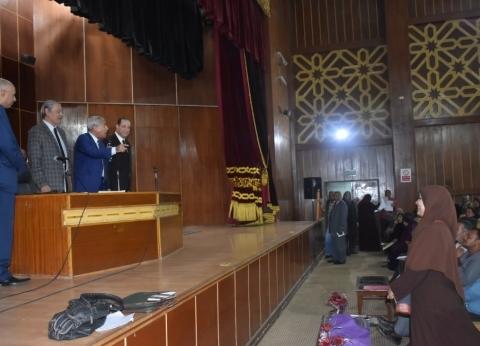 """محافظ أسوان يعقد مؤتمرا لاستعراض جهود """"تنمية المشروعات الصغيرة"""""""