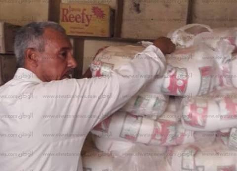 محافظ قنا: تحرير 729 مخالفة تموينية و4.5 طن سكر في أغسطس الماضي