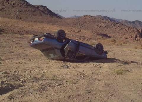 """إصابة 3 مواطنين إثر انقلاب سيارة على طريق """"الفيوم-القاهرة"""""""