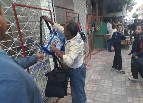 حملة موسعة لإزالة الإشعالات والباعة الجائلين بشوارع حي وسط الإسكندرية