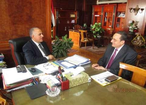 وزير الري يناقش مع رئيس هيئة الصرف المشروعات قيد التنفيذ
