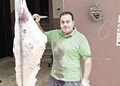 جزار متطوع لذبح الأضاحى: كله بثوابه