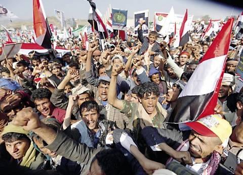الحكومة اليمنية تكشف عن أرقام مخيفة في تجنيد الحوثيين للأطفال