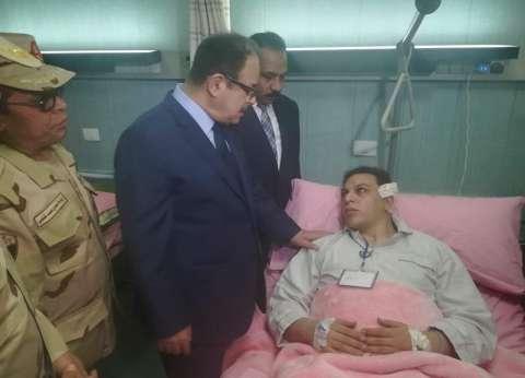 بالصور| وزير الداخلية ومدير أمن الإسكندرية يزوران مصابي حادث الانفجار