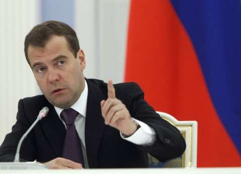 """""""مدفيديف"""" يقر استراتيجية وطنية لتحسين مكانة المرأة في المجتمع الروسي"""