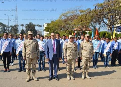 رئيس جامعة المنصورة يتابع برنامج التربية العسكرية للطلاب