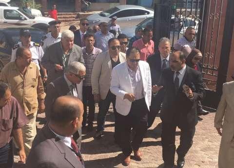 """وزير الصحة يتفقد المركز الحضري في توشكى ويدرس تحويله لـ""""مركز طبي"""""""