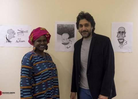"""ريشة """"أحمد دياب"""" توثق نجوم مهرجان الأقصر للسينما الإفريقية"""