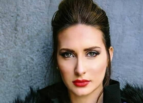 """كنزه مرسلي تصور أغنية جزائرية مع """"لايف ستايلز ستوديوز"""""""