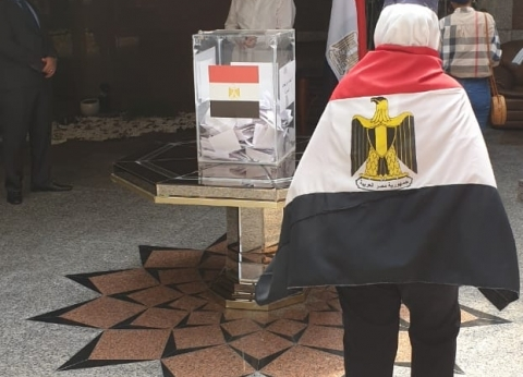 الأحزاب تستعد قبل وصول قطار الاستفتاء للداخل: باصات مجانية وغرف متابعة