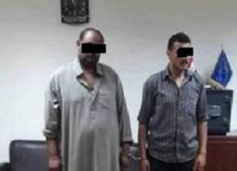 أمن المنوفية يضبط المتهمين بقتل سائقي التوك توك.. ونقلهم لحمايتهم