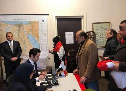 بالصور| المصريون بهولندا يقطعون 200 كيلو للتصويت في درجة حرارة 6 تحت الصفر