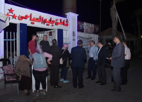 محافظ الإسكندرية يكلف مسؤولي الشواطئ بالإزالة الفورية للمخالفات