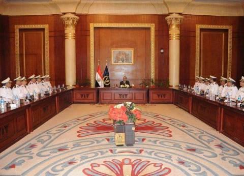 وزير الداخلية يوجه مساعديه بضرورة إزالة التعديات على أراضي الدولة