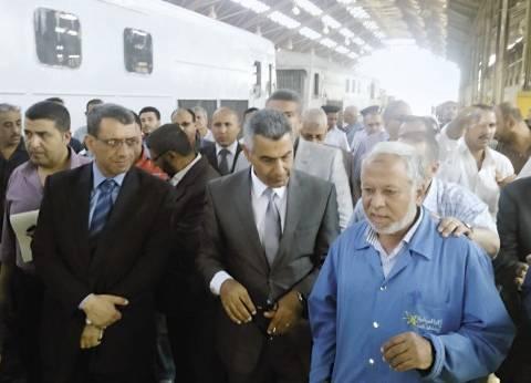 جولات الوزراء: مرضى يهاجمون «عماد الدين».. و«مدبولى» يسلم عقود شقق