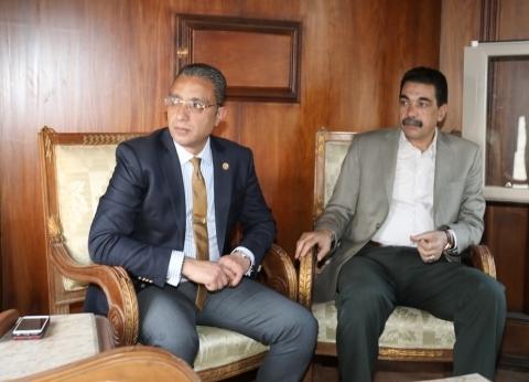 محافظ سوهاج ومدير الأمن يجريان جولة نيلية لمتابعة احتفالات شم النسيم