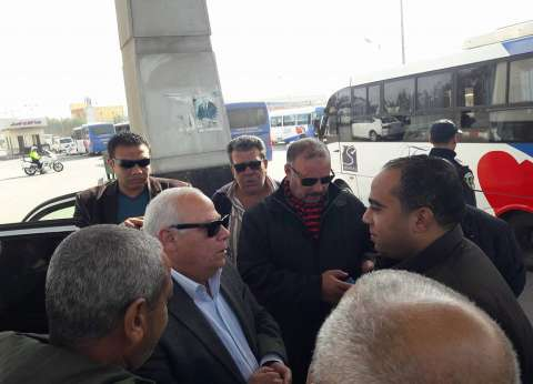 محافظ بورسعيد يطالب العاملين بمنفذ الرسوة بحسن معاملة الزوار