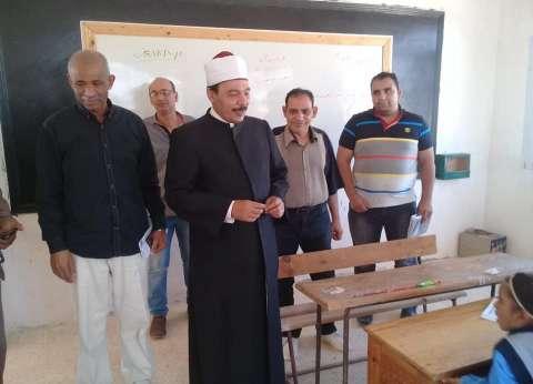 """رئيس """"أزهرية الإسكندرية"""" يتابع سير العملية التعليمية بمعاهد غرب"""