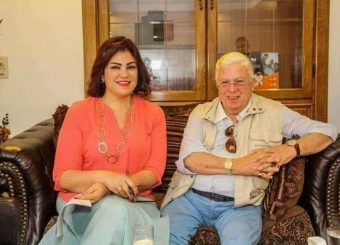 """""""أجمل قصص الوفاء"""".. معتزة مهابة تكشف سر ارتداء حسن كامي ساعتين في يده"""