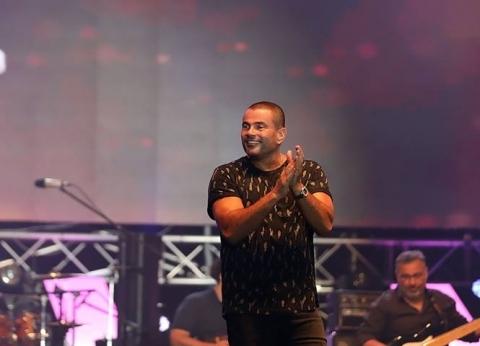 بالصور| في حفل مختلط.. عمرو دياب يشعل جدة بأغنياته