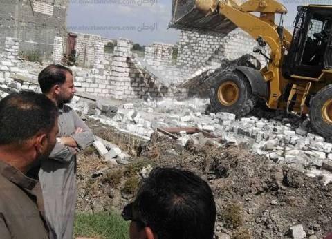 إزالة تعديات على مساحة ألف متر مربع من أراضي الدولة في أسوان