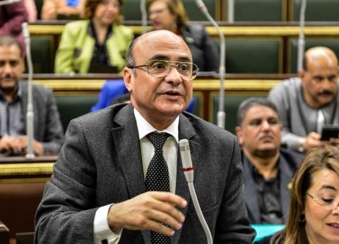 برلماني يطالب بتشريع يلزم شركات المحمول بعمل صيانة دورية على الشبكات