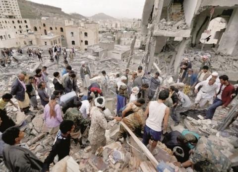 التحالف العربي يقصف معسكرا يسيطر عليه الحوثيين في صنعاء