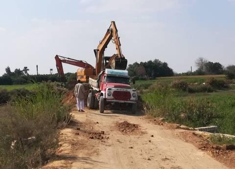 """""""الري"""": إزالة طريق مخالف على النيل طوله 100 متر في بني سويف"""